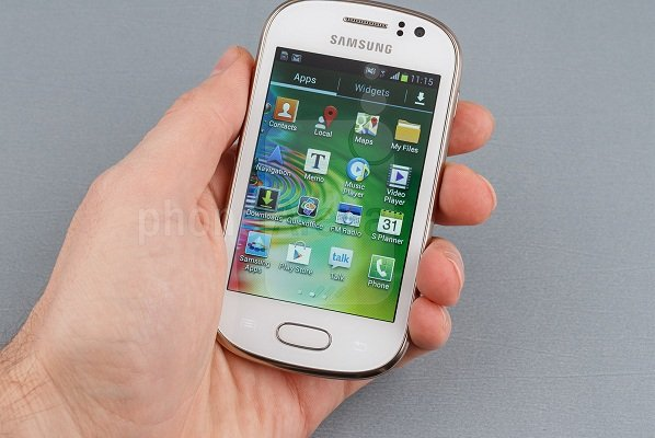 Samsung-Galaxy-Fame-Preview-03