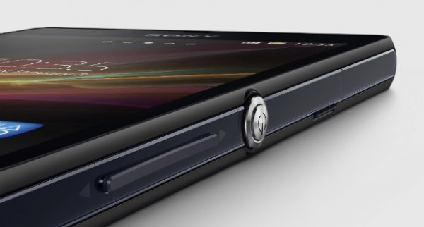 sony-xperia-zu-waterproof-phablet-incoming-samsung-take-note-1