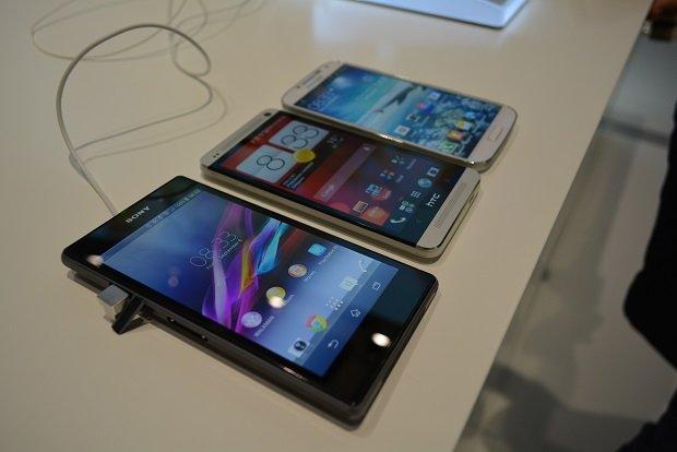 Sony Xperia Z1 vs Samsung Galaxy S4 vs HTC One