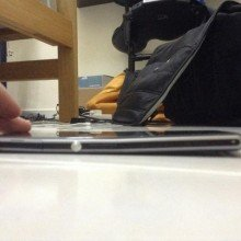 Xperia-Z1-frame-bending-for-no-reason-claim-users (6)