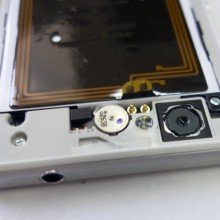 Xperia-Z1-Compact-Disassembly_7-640x421