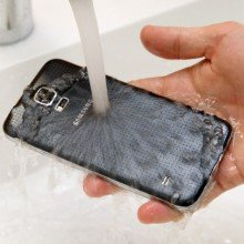 Galaxy-S5-water-resistance-tests (2)