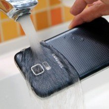 Galaxy-S5-water-resistance-tests (4)