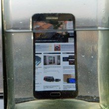 Galaxy-S5-water-resistance-tests (6)
