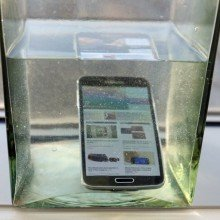 Galaxy-S5-water-resistance-tests (7)