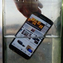 Galaxy-S5-water-resistance-tests (8)