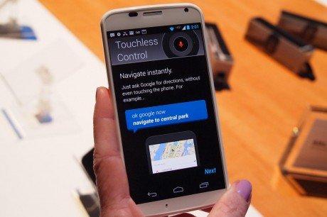 Motorola Moto X touchless control