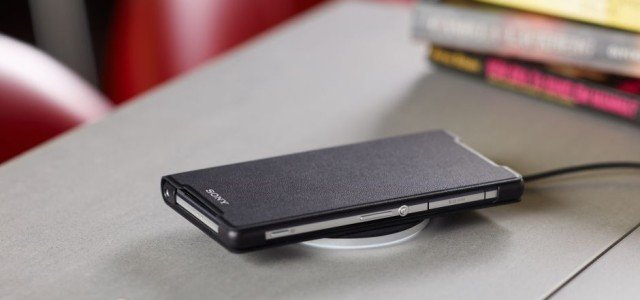 Sony-Wireless-Charging-Cover-WCR12_7-640x300