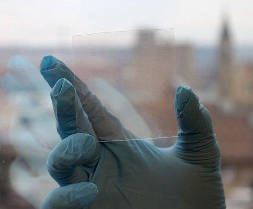 Dr-Zhu-Transparent-Electrodes-Layar