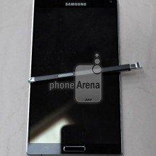 Earlier-leak-of-the-Samsung-Galaxy-Note-4 (1)