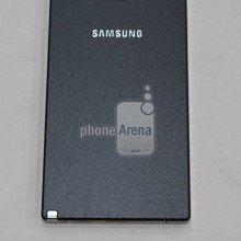 Earlier-leak-of-the-Samsung-Galaxy-Note-4 (2)