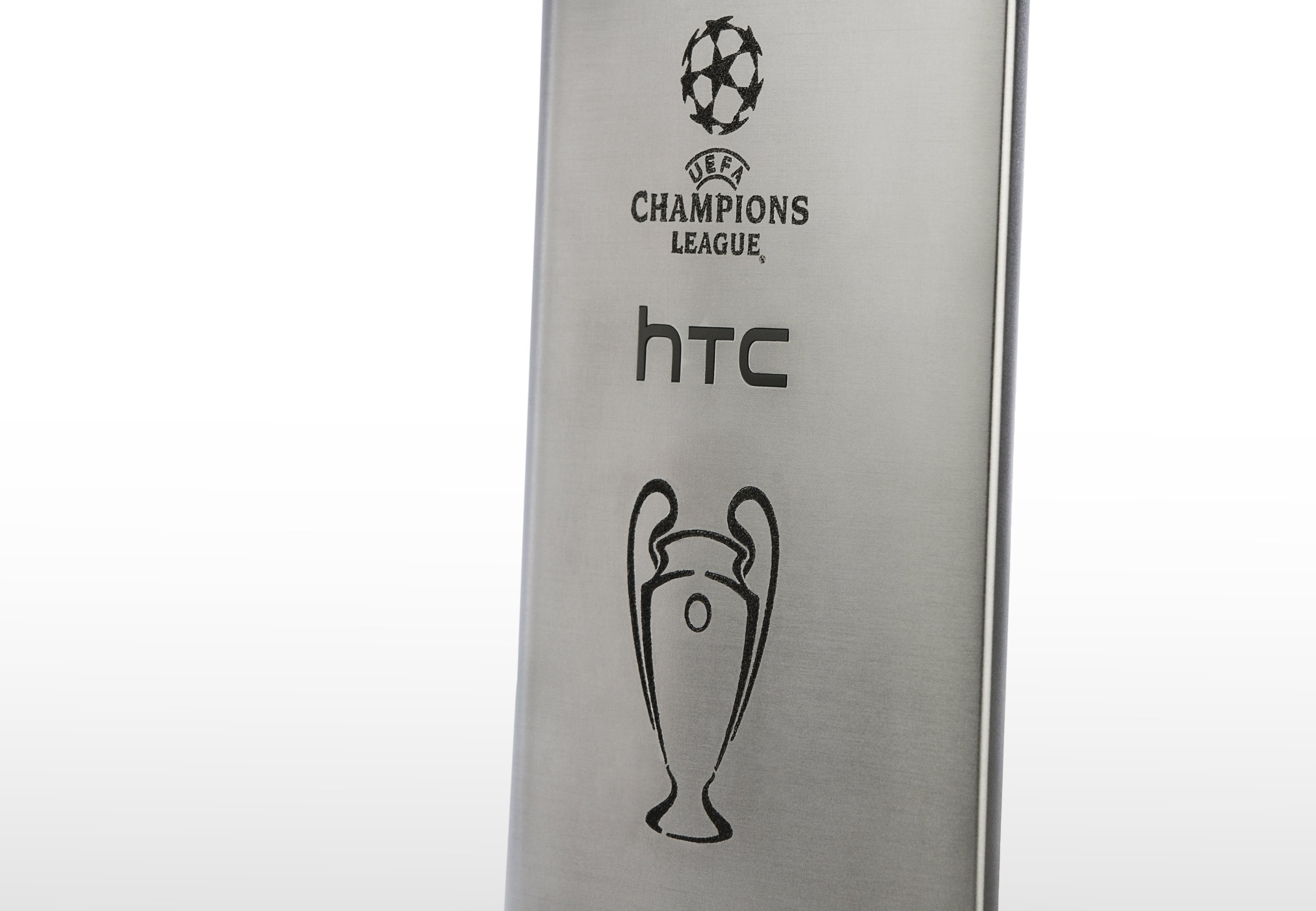 HTC_UEFA-Phone_Close Up