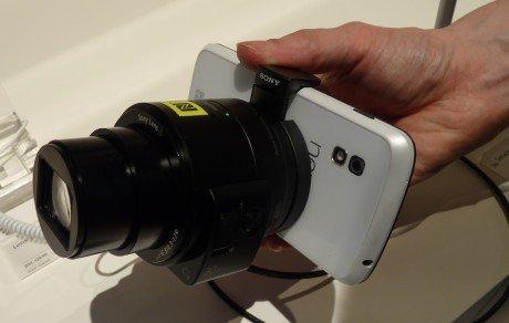 Sony-QX30-1