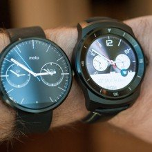 2587928_G-Watch-R-vs-Moto-360-05