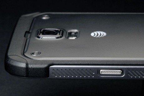 Samsung Galaxy S5 Active top back left 630x420