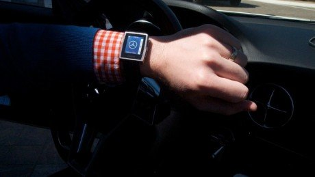 Smartwatch in car