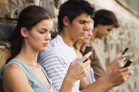 Dipendenza smartphone e1442420114460