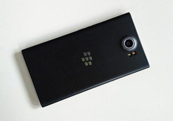 blackberry-priv-retro2