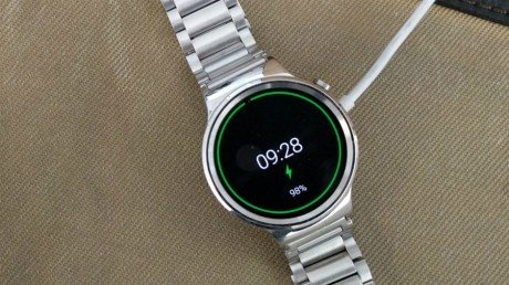 huawei-watch-charging.jpg-940x540