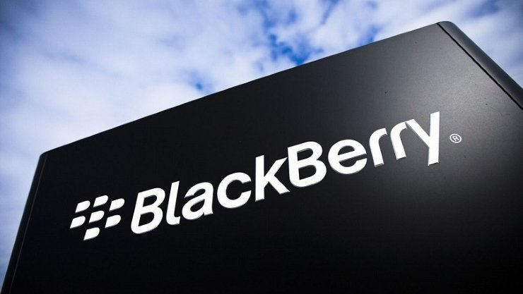 Dalla rete emergono alcune foto di un BlackBerry Passport animato da Android Lollipop
