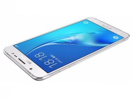 Samsung Galaxy J7 (2016) si aggiorna ad Android 8.1 Oreo con Samsung Experience 9.5