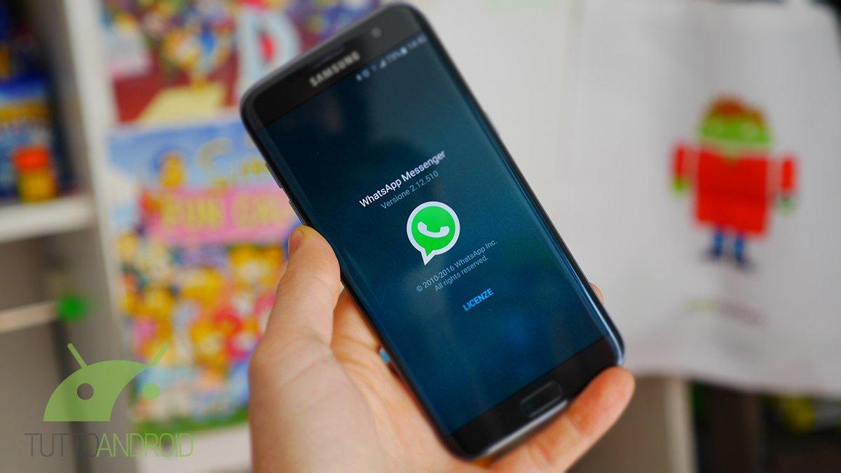 WhatsApp Beta si aggiorna introducendo il flash per i selfie e un video editor