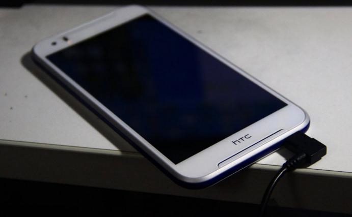 HTC Desire 830 appare in alcune presunte immagini reali