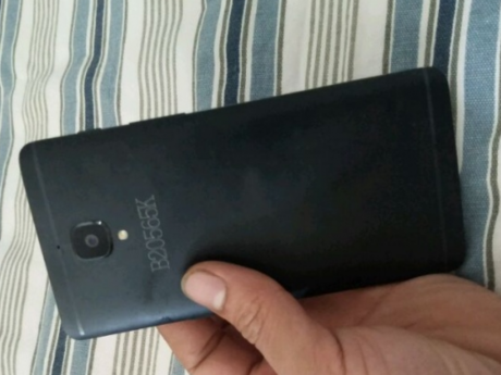 Images allegedly showing off the OnePlus 3 3