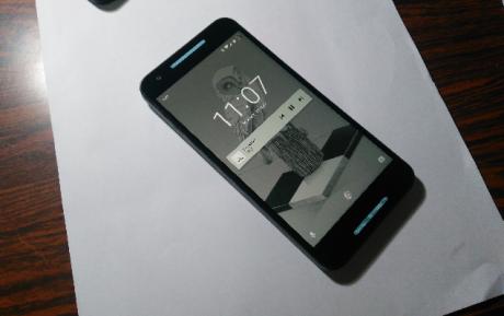 Nexus 5X speaker colorati