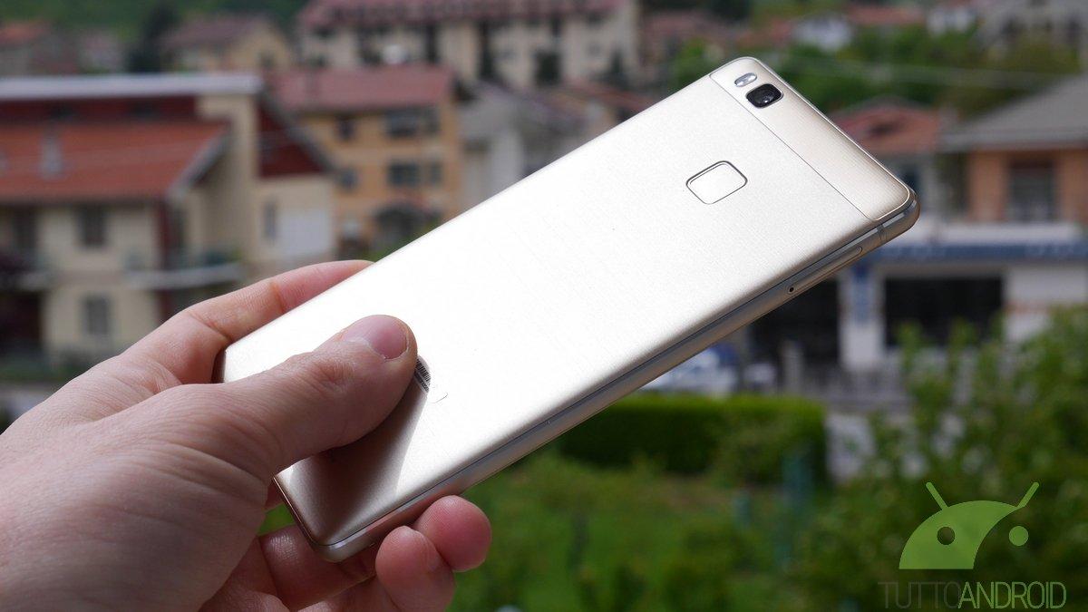 Huawei P9 Lite e ZenFone 2 si aggiornano: patch di sicurezza e tanti piccoli miglioramenti