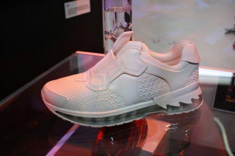 Lenovo smart shoe 1