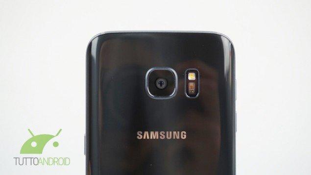 Samsung Galaxy S8 con display 4K per la realtà virtuale?