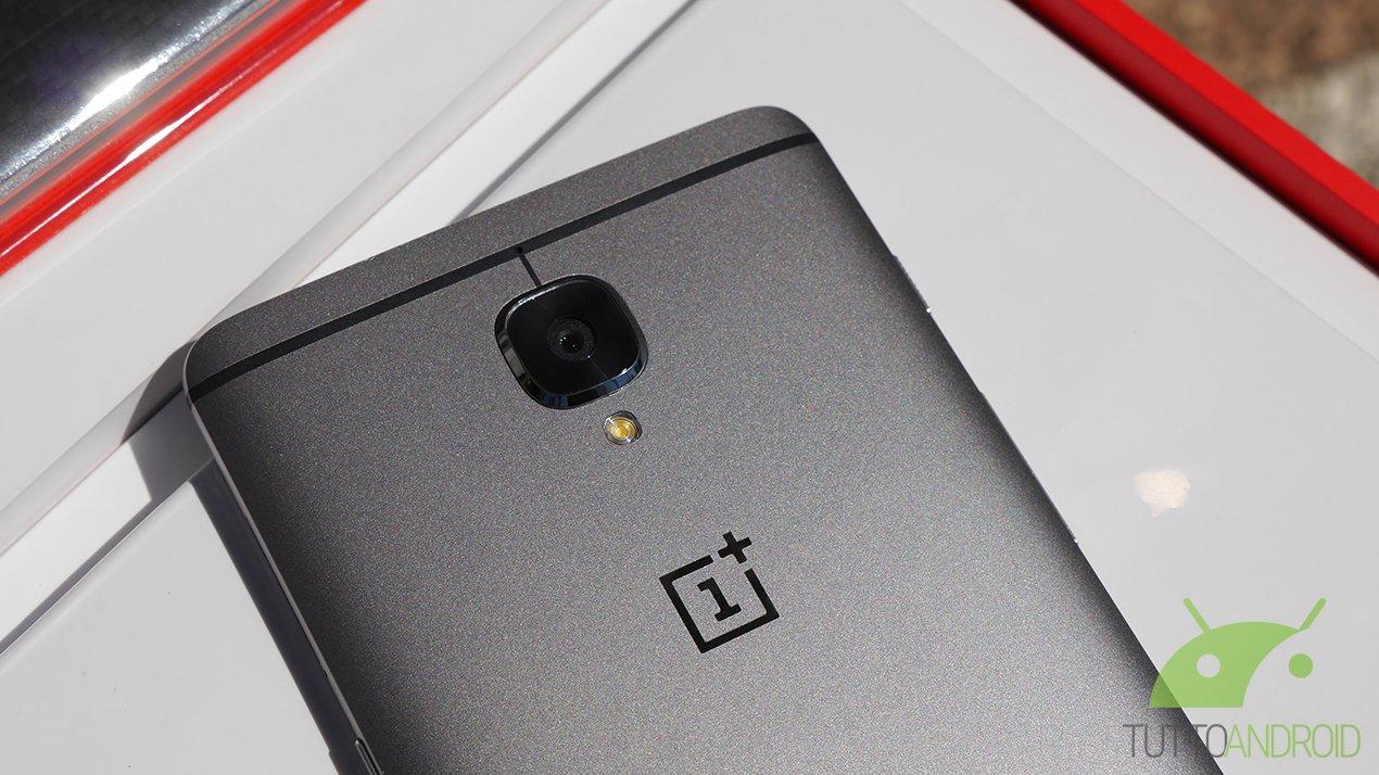 OnePlus 3 riceve un piccolo aggiornamento e sistema due fastidiosi bug