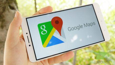 Google Maps introduce un nuovo FAB per la gestione dei livelli