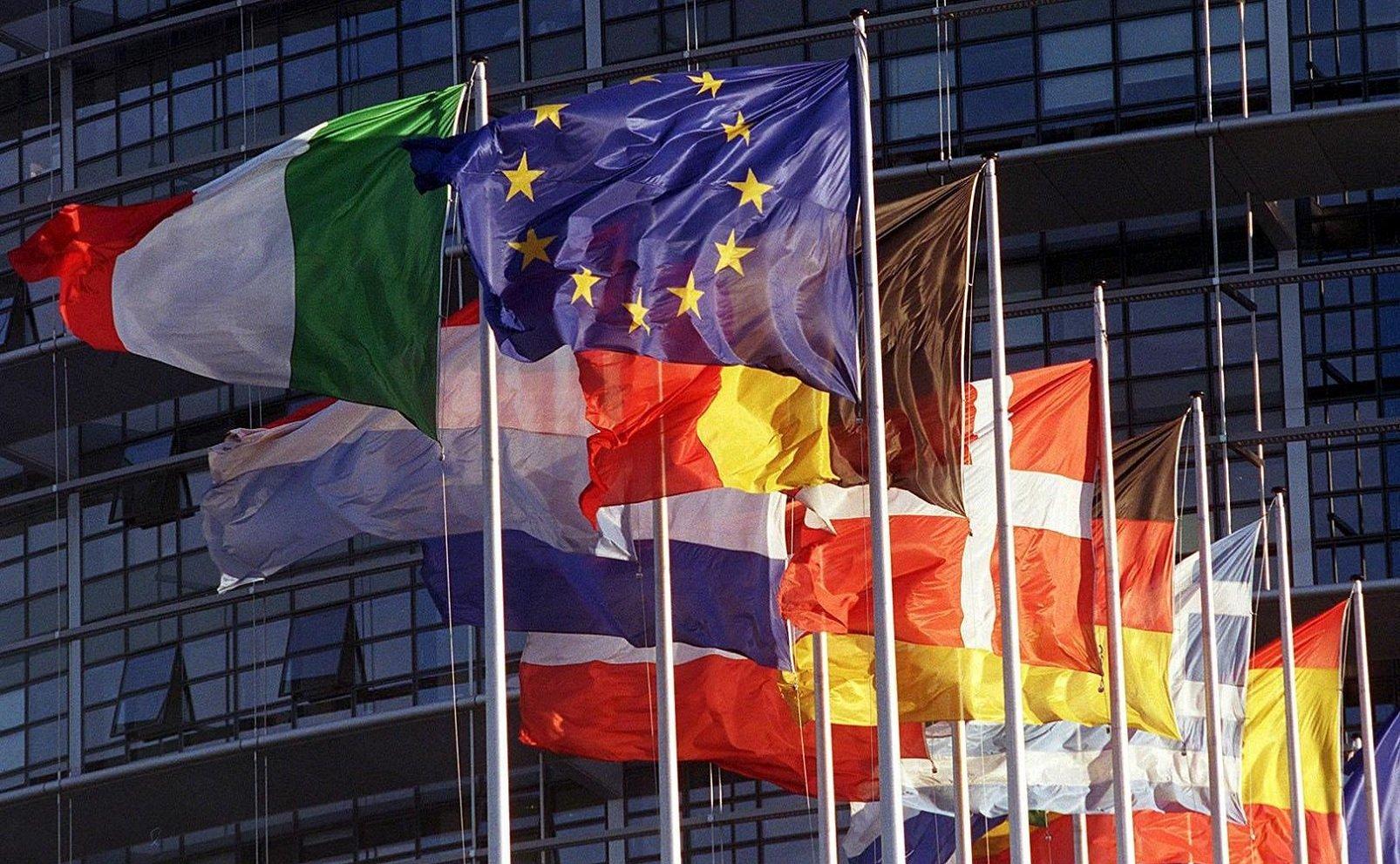 Unione europea: connessioni a 100 Mbps e copertura 5G per tutti entro il 2025