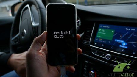 Android Auto e Android 9 Pie, il rapporto ancora non decolla