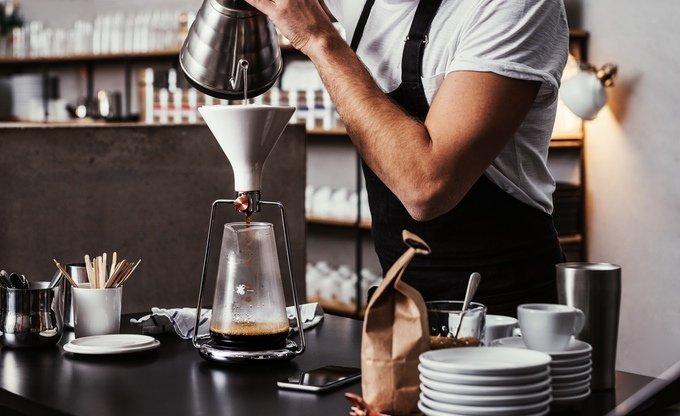 GINA vi aiuta a preparare il caffè all'americana tramite smartphone Android