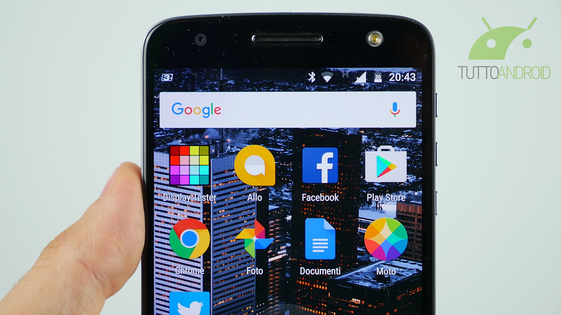 Lenovo annuncia Android 7.0 Nougat per Moto Z e Moto Z Force