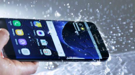Samsung galaxy s7 under water
