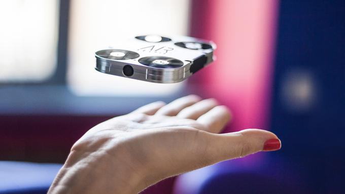 AirSelfie è un drone che permette di scattare selfie dagli smartphone Android