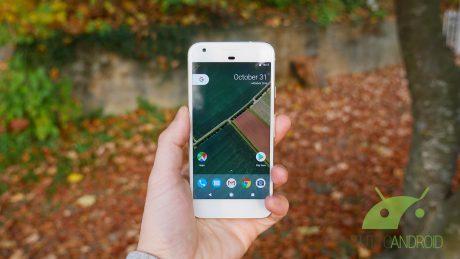 Google Pixel copetina