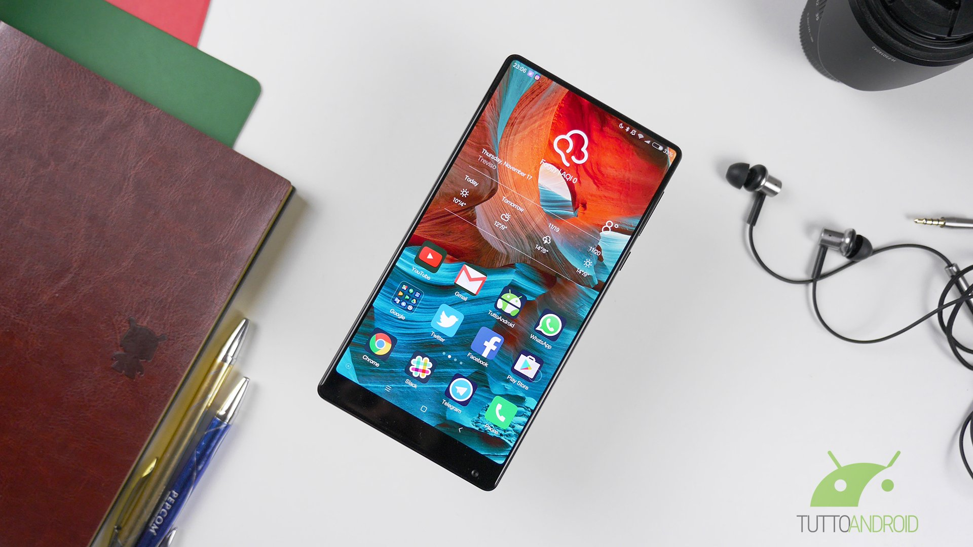 Xiaomi Mi Mix 2 presto realtà, parola di Lei Jun