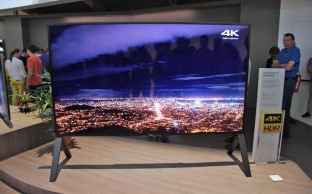 Arriva in europa l 39 android tv sony zd9 da 100 pollici for Tv 75 pollici prezzo