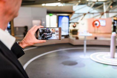 BMWi AugmentedRealityApp 2b.width 1000