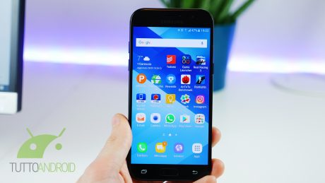 Un altro smartphone Samsung riceve le patch di sicurezza di