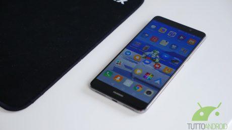 Huawei Mate 9 si aggiorna in Italia con le patch di luglio
