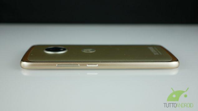 Lenovo Moto G5 lato