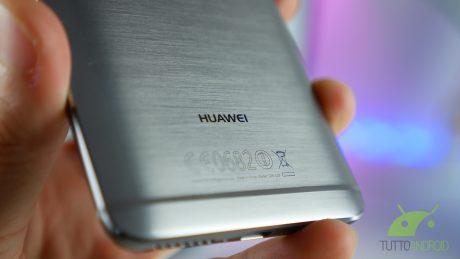 È un 2017 d'oro per Huawei: sono oltre 100 milioni gli smartphone spediti ai canali di vendita