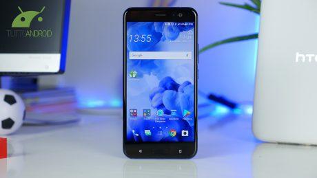 HTC 10 e HTC U11 ricevono Oreo in Italia, così come Lenovo Moto Z Play