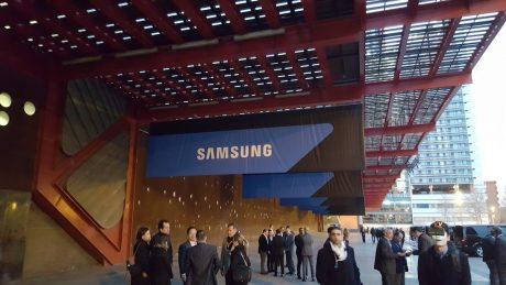 Samsung sign new